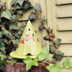 Nos petites éditions fleuries pour cet été à découvrir dès maintenant sur notre site internet ! ???? ~ Multiples choix, des Lampes Merlin colorées et peintes à la main ! ???? ~ VITE, ELLES SONT UNIQUES ! ???? ~ #ambiancecade #diffuseur #lampemerlin #liere #peinture #peintealamain #faitmain #diffuseurdeparfum #encensnaturel #entreprisefrancaise #liere #jardin #parfumambiance #dessin #decorationinterieur #decorationexterieur #editionlimitee #diffusion #lière #ceramique #deco #antimoustique #madeinfrance #pictureoftheday #photooftheday #campagne #ambiancedecor #decor #encensoirs #senteur #senteurmaison