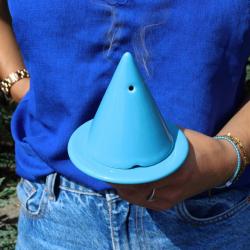 Découvrez la lampe Merlin turquoise, notre coup de 💙 pour la fin de votre été au bord de la mer 🌊 ~ #turquoise #lampemerlin #diffuseur #bruleur #porteencens #encens #parfumdambiance #parfum #senteur #decoration #bleu #blue #deco #inspideco #encensoir #ceramique #ceramics #fume #zen #photography #picture #vacances #cadeau #ideedeco #ideecadeau #gift #turquoise #ambiancecade #senteurs #mer #ete