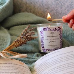 Nos bougies adouciront votre automne 🍂  Doux week-end à vous  ~ #bougie  #candle #ambiancecade #cocooninghome #lavande #flowers #bougieparfumee #parfumgrasse #madeinfrance #naturel #artisanatfrancais #deco #inspirartiondeco #idéecadeau #flamme #bougienaturelle #thiers #photococooning #decorationinterieur #lavender #provence #plaid #bonheur #detente #auvergne #livre